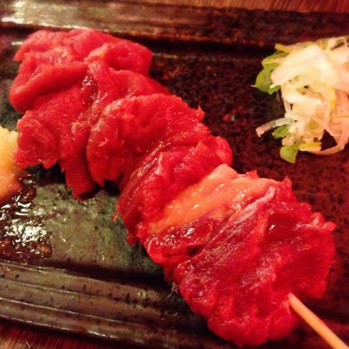 板橋「馬の串ん」せんべろ馬酒場で生肉を堪能!