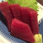 中野「魚屋よ蔵(立ち飲み)」お刺身・お惣菜は280円均一!元魚屋の立ち飲みで気楽にちょっと一杯