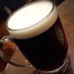池袋「ロンドンパブ」ハーフ&ハーフ生で後もう一杯!池袋駅JR構内の気軽なパブで立ち飲み