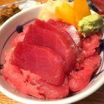 御徒町「ふぶき」お刺身とホッピーでハッピーな昼飲み!海鮮と鉄板焼きの大人気立ち飲み