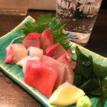 大阪-鶴橋「なべいち」新鮮なお刺身390円~で美味しい一杯!魚料理が楽しめる人気の立ち飲み居酒屋