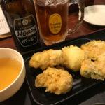 新宿「東京麺通団」月曜日は天ぷら50円!製麺所型のセルフ讃岐うどん店で気軽にちょい飲み