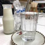横浜-阪東橋「埼玉屋食堂」牛乳割りで美味しい昼酒!地元の方が憩う居心地よしの老舗食堂