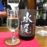 住吉「角打あだちや」生酒と持ち込みつまみで美味しい昼酒!日本酒が豊富に揃う老舗酒屋