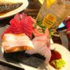 御茶ノ水「立ち呑み酒場 ピン」魚料理で美味しい一杯!路地裏の座れる立ち飲み