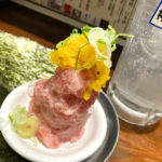 新宿「神田屋」新宿三丁目で昼飲み!炭火やきとんや食事も楽しめる天狗系列のネオ大衆酒場