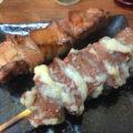 川崎「街角おさやん」とろタン焼で美味しい一杯!良質な牛焼肉串が気軽に楽しめる立ち飲み